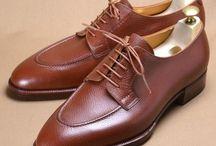 Art - fine craftsmanship / Art of bespoke shoes, haute horlogerie, classic cars,...