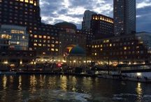 Moonlight Cruise / Enjoy an evening on the Boston Harbor with a beautiful view of the night sky.On our 90 minute Moonlight Cruise, you don't have to be an astronomer to appreciate Boston's night sky.