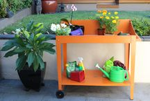 Potting Benches / Potting bench with added mobility and storage shelf