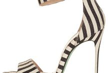 Love Shoes / #Sandals & #Stilettos