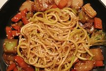 zoodle recipes / by Laura Sahnow