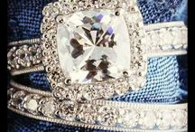 ENGAGEMENT/WEDDING RINGS / by Halee Tharin Nolte