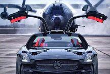 Mercedes Benz und flugzeug