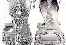 Shoes, boots.... / by Luz María Carpio García - Retamero