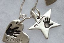 Jewellery with hand prints / Jewellery with hand prints and footprints