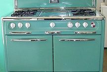 STOVES - VINTAGE....I WANT ONE!!! / by Francine McGee