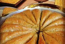 Elmacı Pazarı / Ailemizin bu mesleğe başladığı, Güllüoğlu Markasının doğduğu ve korunduğu mekandır.