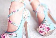 clothes shoes & dresses