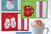 Dækkeservietter, Mugs rugs og bordløbere
