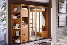 Шкафы-купе / Предназначение современного шкафа-купе, в первую очередь – освобождение жизненного пространства, заполнение собой ниш в прихожих и других комнатах дома. Отличие шкафа-купе от обычного шкафа прежде всего в дверях, которые двигаются подобно дверям вагонного купе, в результате чего можно сильно сэкономить пространство в узких и малогабаритных помещениях. Заказать шкаф-купе индивидуального размера и наполнения является одним из решений проблемы экономии важного пространства.