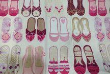 靴柄のカーテン生地