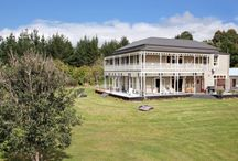 Historic homes for rent in NZ / Stay in one of these historic Kiwi holiday homes available throughout New Zealand with Bookabach