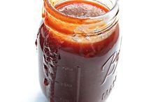 BBQ Sauce Recipes / Amazing BBQ sauce recipes for chicken, pork, steak, ribs, and vegetables.