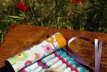 Tubitos y Gadgets / Utensilios y otros enseres originales como estuches relacionados con la homeopatía y los medicamentos homeopáticos.