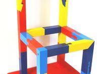 日本のほぞ接ぎ The Japanese mortise and tenon joint / 日本で伝承されてきたほぞ接ぎの技法。建築や家具の制作現場では、今や廃れつつあるのが現状だが、日本一の家具のモデラー、宮本茂紀が一脚の木製の椅子を使って20種類のほぞ接ぎを披露する。改めて名匠の凄さに触れて欲しい。