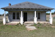 Mississippi Farmhouse Bungalow / Small Farmhouse Bungalow in South Mississippi, inside & out. Built in early 1900s. Inspiration for Stratton family home in Rodney -- Second novel in Southern Heritage Series