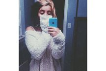 Melanie <33