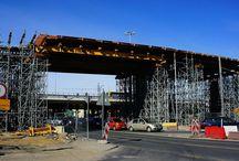 Przebudowa drogi S8, węzeł Modlińska / Dobiegają końca prace przy budowie obiektów inżynieryjnych węzła Modlińska w ramach II etapu przebudowy drogi ekspresowej S8 w Warszawie. Nasza firma dostarczała systemy deskowań i schodnie do budowy estakad 4T, 5T, 6T oraz 27T, 28T, i 29T a także tunelu 32T. Cała inwestycja na odcinku Modlińska – Powązkowska ma być zakończona w październiku br.