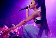 Ariana grande/ Audrey hepburn