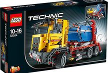 LEGO Technic Reviewed--Container Truck 42024