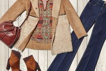 """Boho Look / Folkloristische Muster, Patchwork und tolle Texturen im Mix: Der Trend """"Boho Look"""" lässt den Style der späten 1960er und 1970er aufleben. Wunderbar warm wirkt die spätsommerliche Farbpalette von Camel und Rostrot zu einem cremigen Weiß. ► http://bit.ly/KONEN-Boho-Look-Pin"""