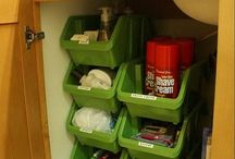 Bathroom Storage Hacks / Organization tricks for your bathroom and other small spaces.