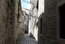 Utcák, kapuk, ablakok