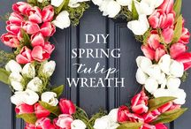 Wreaths and Front Door Decor / I love to deck out my front porch with beautiful wreaths and decorations. I am pinning all my inspiration here!