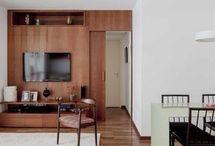 Sala de Jantar / Separamos vários modelos de sala de jantar para inspirar você à reproduzir no seu lar! Veja projetos de sala de jantar com espelhos, inspirações de móveis para sala de jantar e ideias de sala de jantar decorada. Tudo sobre cadeiras para sala de jantar e tipos de buffet para sala de jantar. Aproveite! #saladejantar #saladejantarcomespelhos #cadeirasparasaladejantar #moveisparasaladejantar #buffetsaladejantar