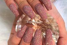Glitter Nails / Everything Glitter!