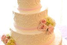 Wedding Cake Ideas / by J-Lynn Zienta