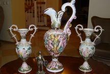 Antichități-porțelanuri,ceramică,lemn,bronz
