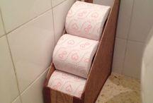 Papírfonott WC papír tartó