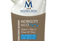 Madra Mór Canine Spa Treatments / Clay acts as a magnetic sponge, to remove toxins and impurities from the skin. It exfoliates, removing dead skin and sebum. Each Madra Mór Mud contains specific added ingredients to cleanse, protect and rejuvenate.