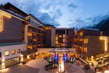 BERGLAND HOTEL SÖLDEN ****S / Wellness Hotel   Tirol   Österreich   Dorfstr. 114   6450 Sölden/Ötztal   Tel.: +43 5254-2240-0   Fax: +43 5254 2240-510    Das erste Designhotel im Ötztal, geprägt von modernen Akzenten, in Kombination mit Tiroler Gemütlichkeit.
