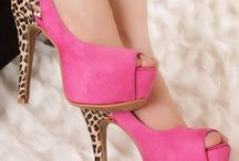 zapatos woow / by Claramarcela07 Valdez