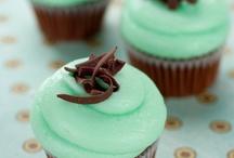 Cake / Pasteles, cupcakes y decoración de mesas dulces. / by Joy McFly
