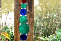Garden Art / Fun and colorful ideas for creating art in the garden.