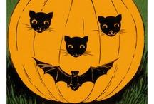 Halloween / by Bernadette Stronner