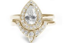 Pear Shaped Diamond engagement ring Set / Pear Shaped Diamond Engagement Ring with Matching Side Diamond Band - The 3rd Eye