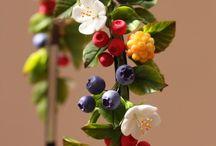 ободки с фруктами и ягодами