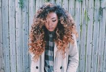 Curly hair ombre