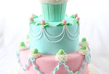 ~BEAUTIFUL CAKES~ / As a one-time cake decorator, I think beautiful cakes are works of art / by JoAnn Lopez