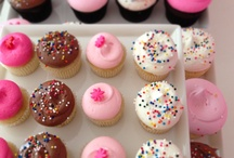Georgetown & DC Cupcakes / Georgetown Cupcakes and DC Cupcakes