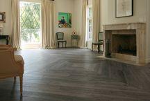Project Torone - Z-parket - Floor: Torone / An aged Z-parket Torone floor elegantly placed in a vintage herringbone pattern. #zparket #interiordesign #oakhardwoodfloors #solidhardwoodfloors
