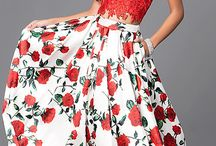 Fall in Love With Florals / Have that WOW-effect at Prom 2017 in one of our many floral printed dresses!
