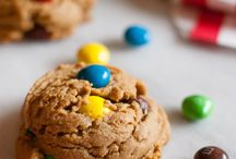 Cookies, Sweet Cookies. / All things chewy, handheld, and usually full of chocolate! / by Shawnte McQueen
