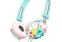 Kids headphones / On-ear headphones for kids with microphone. Various eye-catching colours for your choice. Perfect headphones with soft earpads, foldable headbands and flexible controls : http://amzn.to/2bXybEL