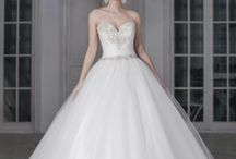 La Sposa Alicia Cruz Wedding Dresses / Sale 10% - 20% - 30%