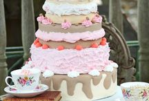 Chunky Cherub Cakes / Quirky and magical cakes by Bristol based cake designer Chunky Cherub Cakes